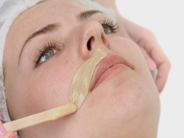 Aumento del vello facial en la menopausia