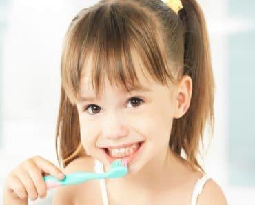 Cómo cuidar los primeros dientes