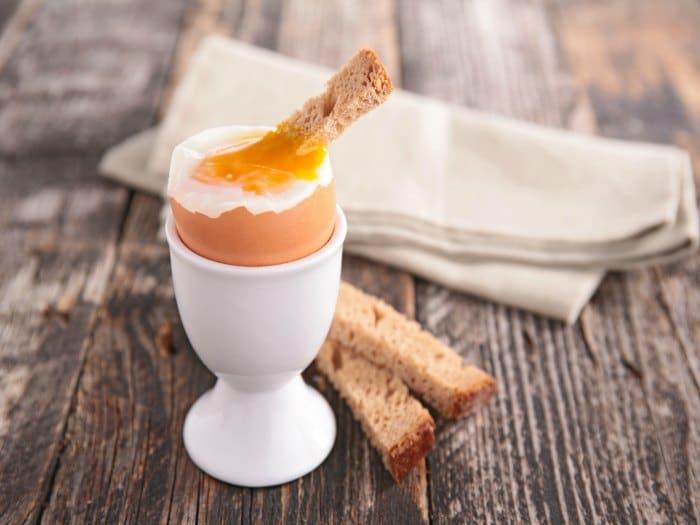 La yema del huevo es una buena fuente de vitamina D