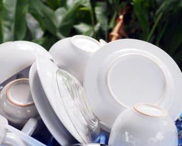 Porqué no deberías enjuagar los platos antes de meterlos en el lavavajillas