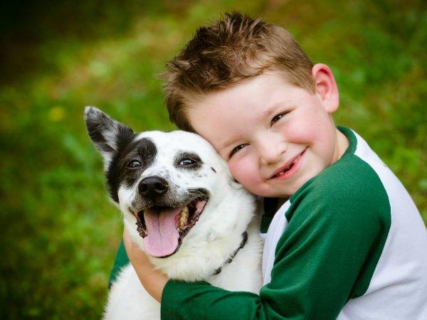 Crecer con un perro podría reducir el riesgo de sufrir asma