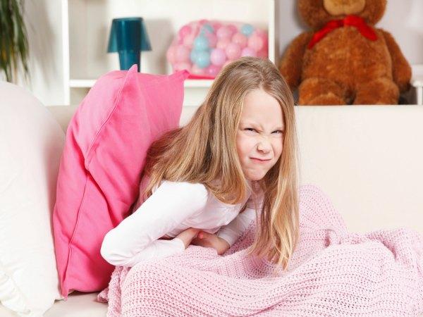 ¿Qué causa el dolor abdominal en los niños?