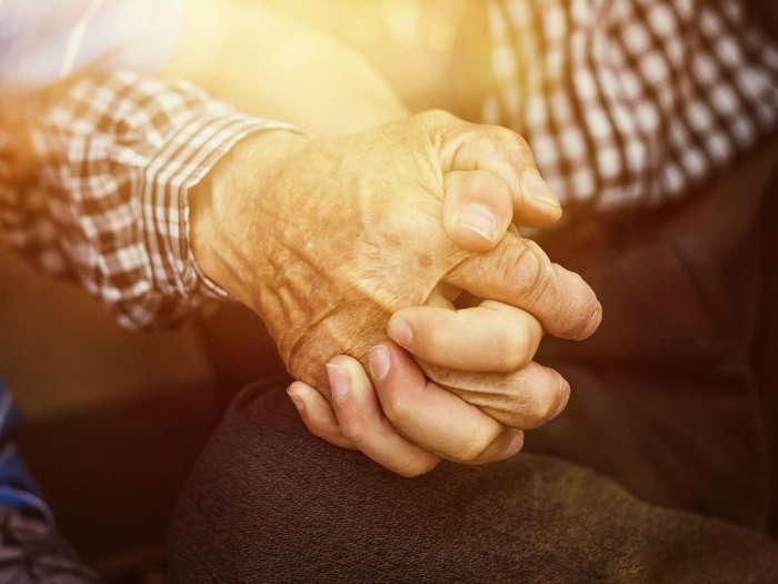 soñar con anciano