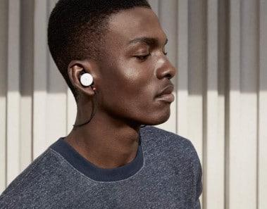 Pixel Buds, los asombrosos auriculares de Google que permiten conversar hasta en 40 idiomas diferentes