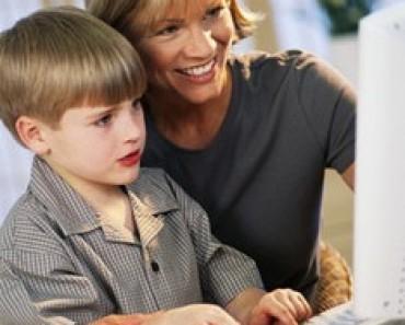 child_at_computer-724894
