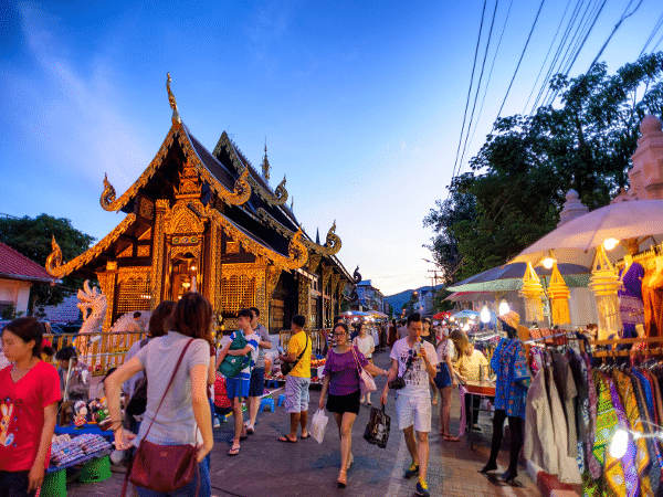Mercado en la ciudad de Chiang Mai, Tailandia