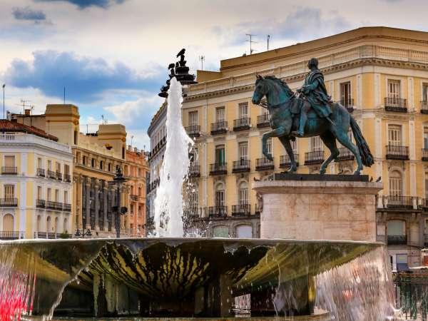 Estatua en la Puerta del Sol, Madrid