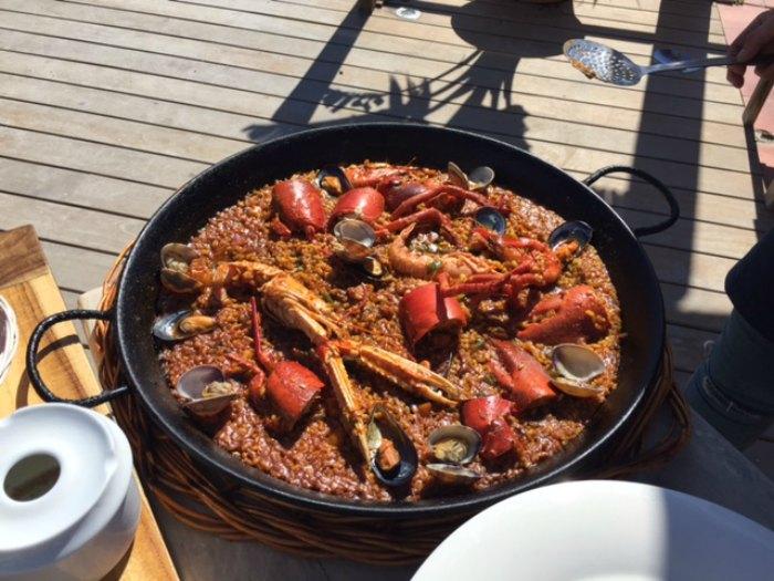 Paella de bogavante, cigalas y gamba roja