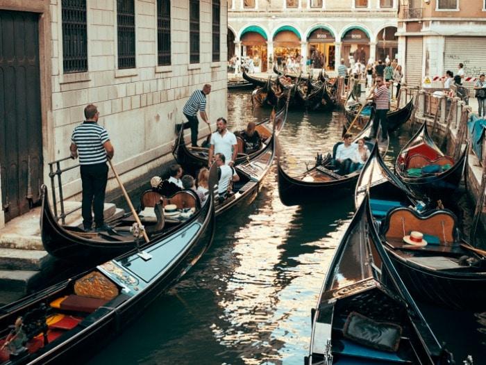 gondolas-venecia-euroresidentes