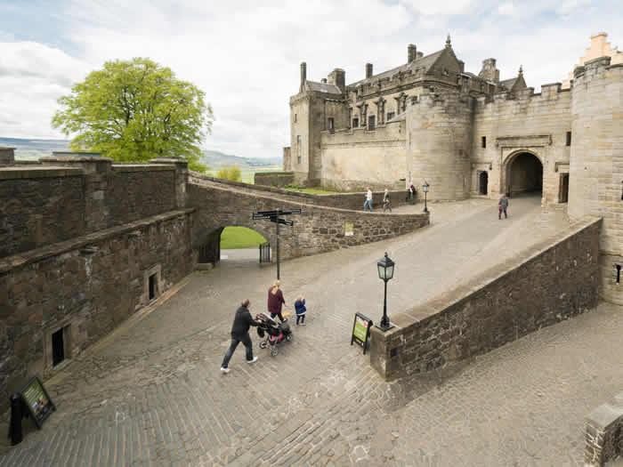 castillo-esterling