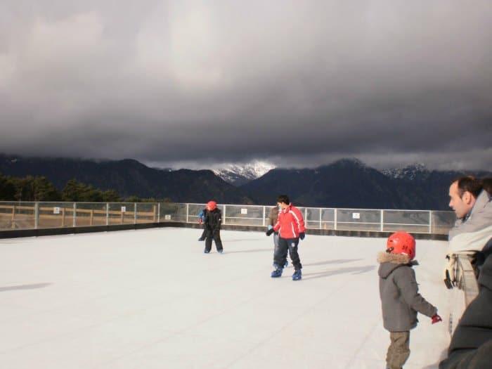 Esquiar en los Pirineos con niños