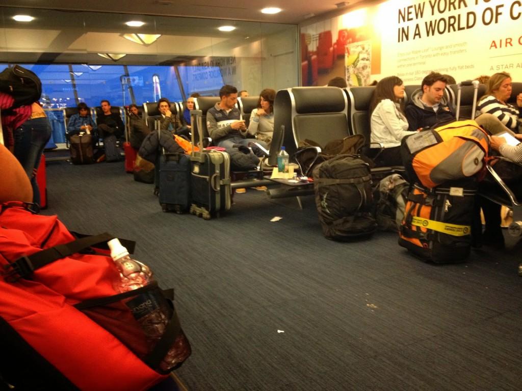 Viajar En Avión Los Hombres Que Viajan En Primera Y: Cómo Conseguir Que Nos Pasen De Clase Turista A Primera
