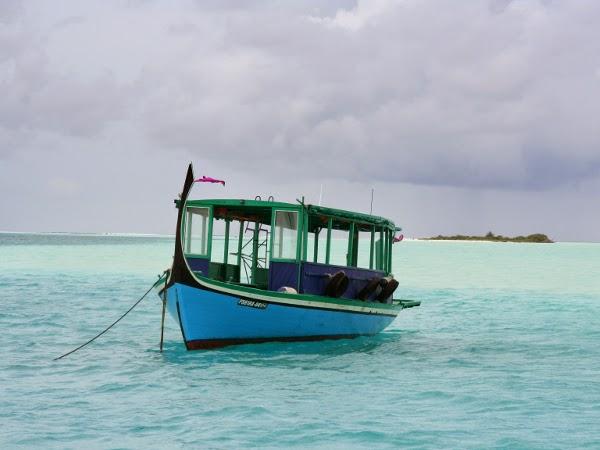 Barca en Maldivas