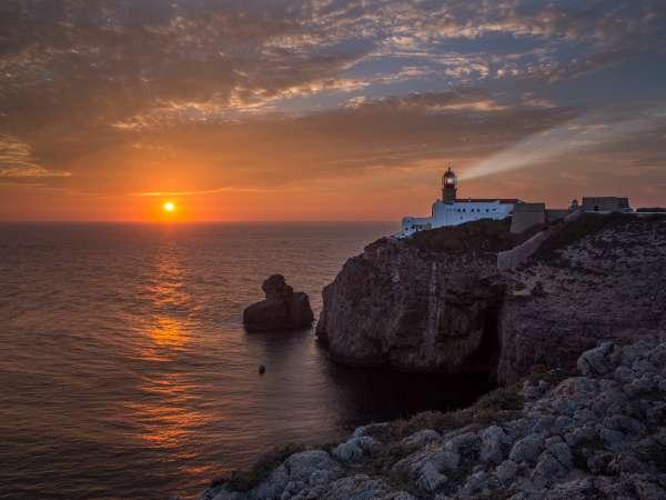 Las impresionantes vistas y acantilados del cabo de san vicente algarve portugal viajar - Cabo san vicente portugal ...