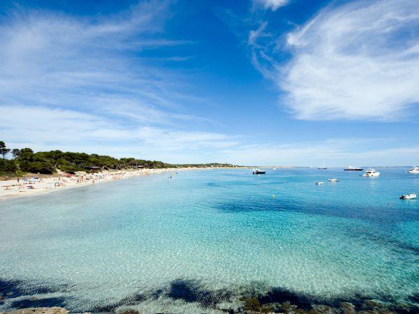 Ibiza 10 cosas que no deber as perderte si viajas a la for Oficina zona azul ibiza