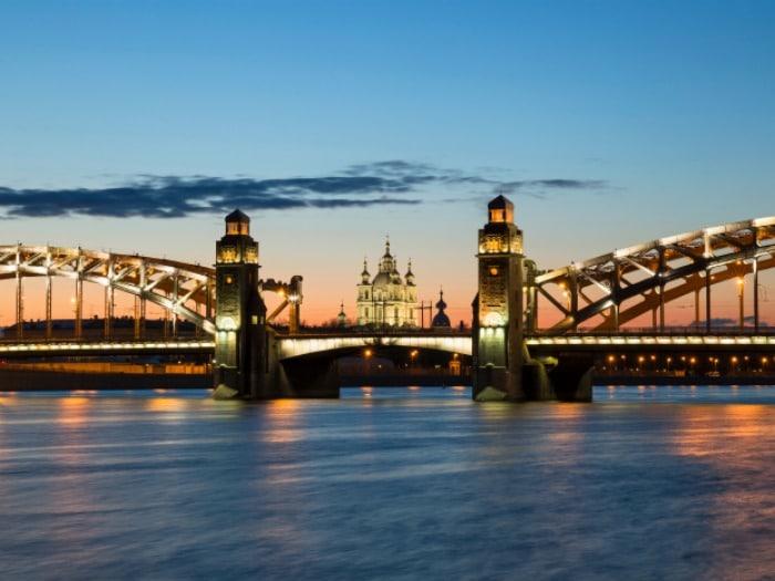 San Petersbrugo: ciudades donde el sol nunca se pone