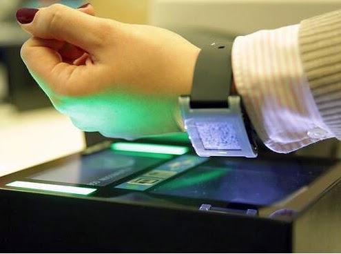 Tarjeta de embarque en el teléfono inteligente (smartwacth)