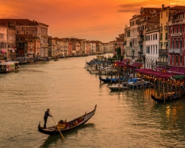 No cometas el ERROR de visitar Venecia en verano...