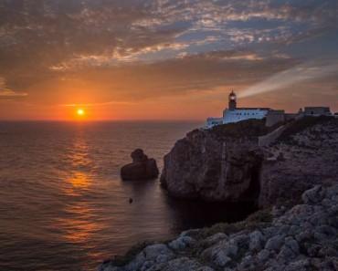 Las impresionantes vistas y acantilados del Cabo de San Vicente (Algarve, Portugal)
